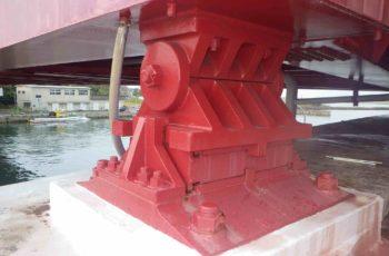 ニールセンローゼ橋の支承取替・落橋防止システム設計