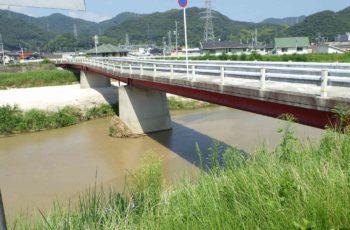 水害により変形したH桁橋(3橋)の部材取替設計